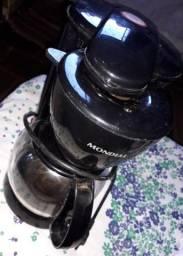 Vendo cafeteira mundial faço 30$ Reais