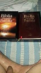 Vendo Bíblia