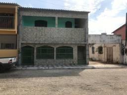 Aluga-se casa em Conceição da Barra, na Avenida Pai Joao (sem garagem)