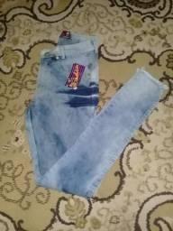Calça jeans 35,00 reais