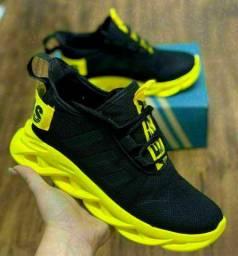 Tênis Adidas top