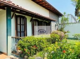 Casa em Amplo Terreno por R$875.000,00