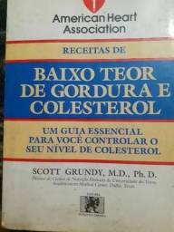 Livro Receitas de Baixo Teor De Gordura E Colesterol