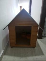 Vende-se Casinha de Cachorro tamanho 4
