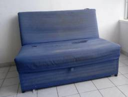 Sofá cama de casal - estrutura boa - precisa trocar o forro