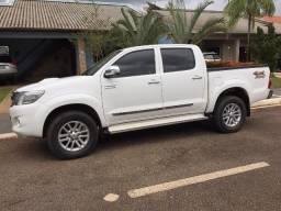 Toyota Hilux Branca 14/15 SRV com controle de estabilidade e roda aro 17 - TOP - 2015 - 2015