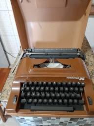Máquina de datifografia remington 25