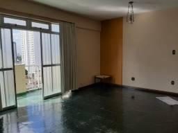 Aluga-se Apartamento com 3 quartos sendo 1 suíte, 1 vaga