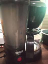 Cafeteira da marca DELLAR