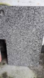 Vende-se pedra de mármore