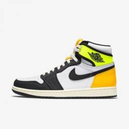 Nike Air Jordan 1 Retro High Volt Gold