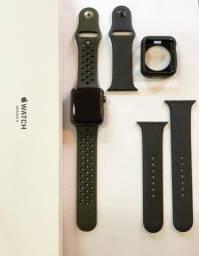Apple Watch Series 3 (GPS) - 42mm - Caixa Cinza-espacial