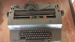 Máquina de escrever , elétrica IBM