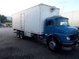 Caminhão modelo 2013