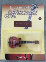 Título do anúncio: Instrumento da Salvat nº 9 Guitarra de Jazz em Miniatura