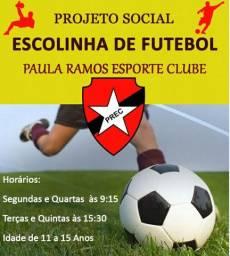 Escola de futebol para crianças - grátis