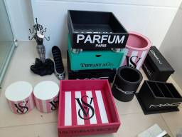 Título do anúncio: Kit porta joias perfume batom maquiagem