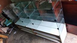 Vitrine em vidro temperado