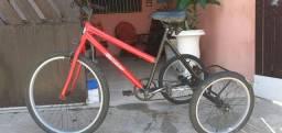 Vendo um triciclo
