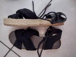 Título do anúncio: Sandália plataforma preta - Semi nova