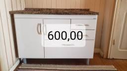 Fogão,  geladeira, rack, balcão de cozinha.