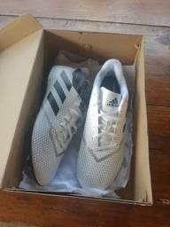 Chuteira original Adidas 42