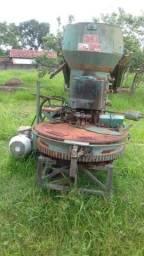 Maromba ,máquina se fazer tijolo