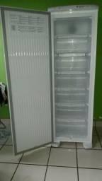 Freezer vertical 3 meses de uso