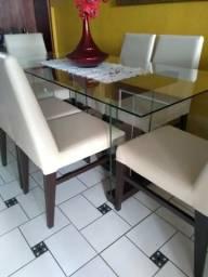 Excelente mesa da Jacaúna