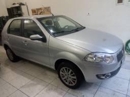 Fiat Palio 1.4 ELX Attractive - 2010