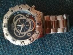 Vendo um relógio invicta
