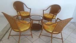 Conjunto Mesa de Centro / Cadeiras de área externa