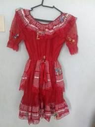 Troco roupas juninas