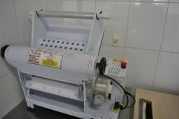 Cilindro eletrico para massa