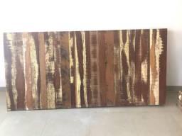 Painel em madeira de demolição