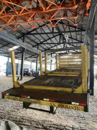 Carroceria para transporte de madeira