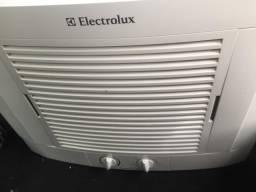Vendo ar condicionado da marca Electrolux 7500btus / 127v