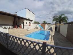 Venha descansar com sua família, casa com piscina