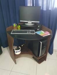 Mesa pequena para Computador