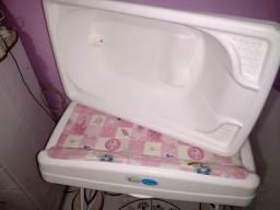 Banheira de bebê com trocador