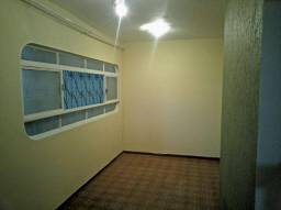 Aluguel casa 02 qts com garagem