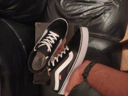 Tênis Vans Old Skool 43/44