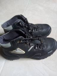 Tenis bota file semi novo