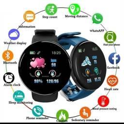 Relógio, caixas de som, suporte de celular...
