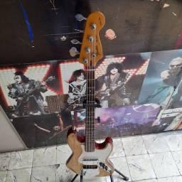 Baixo Fender  Southerncross Brasil  na Musical Brother