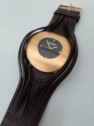 Relógio de Pulso Euro Dourado com Pulseira Marrom em Couro
