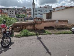 Vendo casa no bairro Santa Matilde