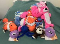 Kit com 11 brinquedos de pelúcia para cães