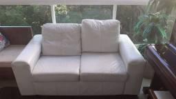Sofá branco de courino- R$ 400,00