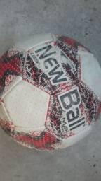 Bola de campo usada mais tá boa